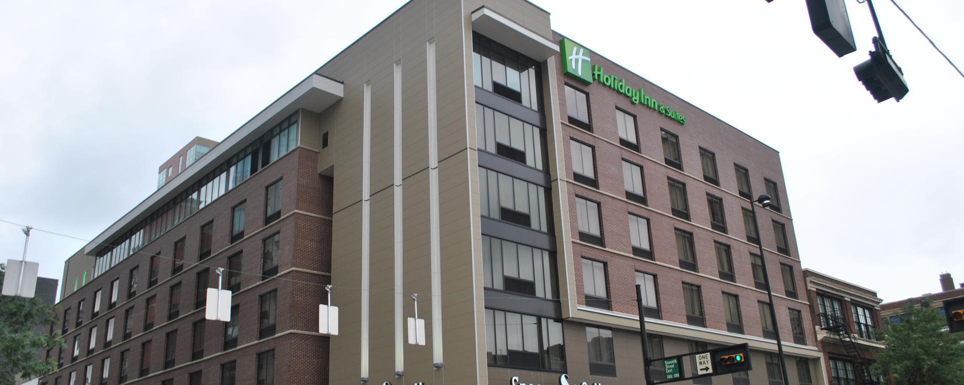Holiday Inn 7th & Broadway