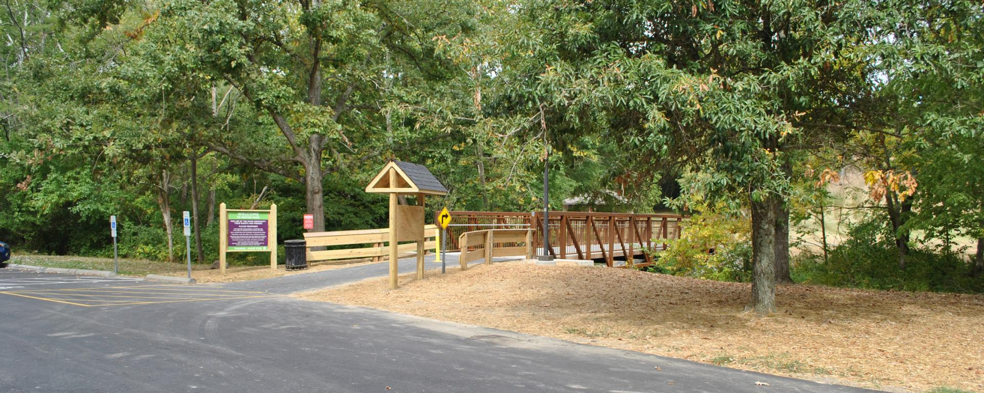 trail parking lot and entrance